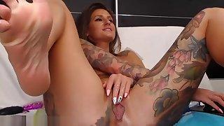 newborn yourkat flashing boobs on live webcam - find6.xyz